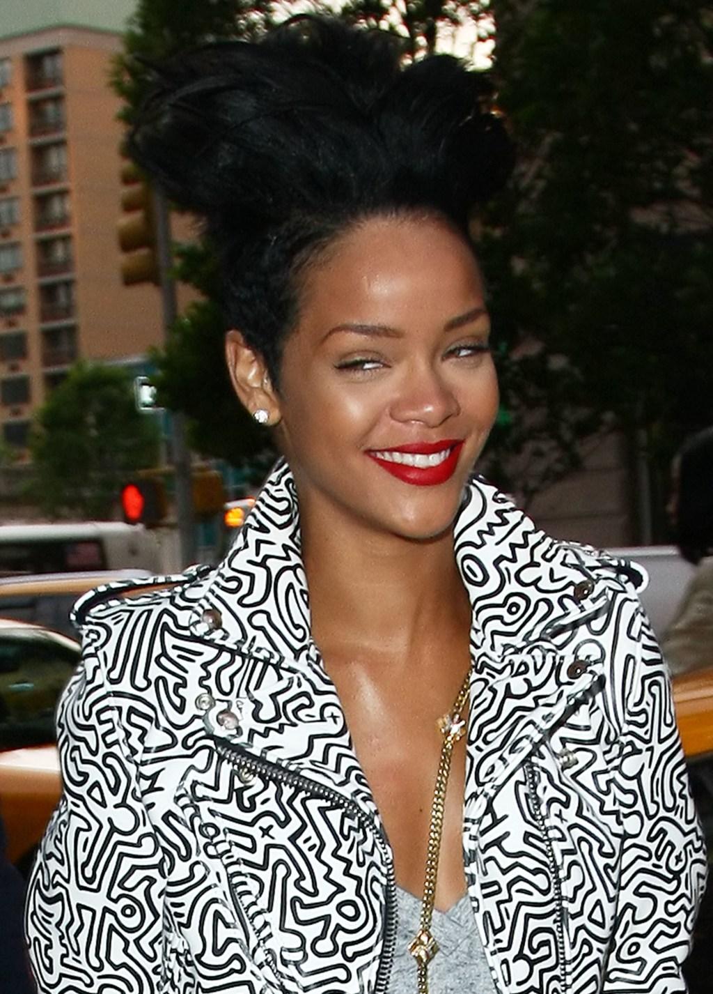 spl101429_002.jpg Rihanna