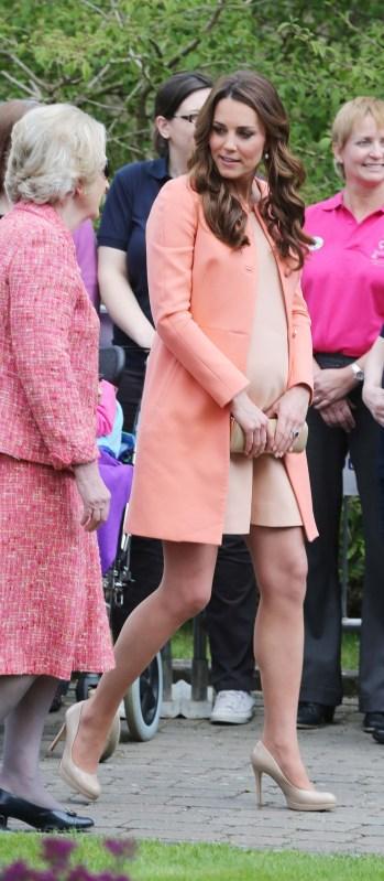 In heels cast pregnant Christina Ricci