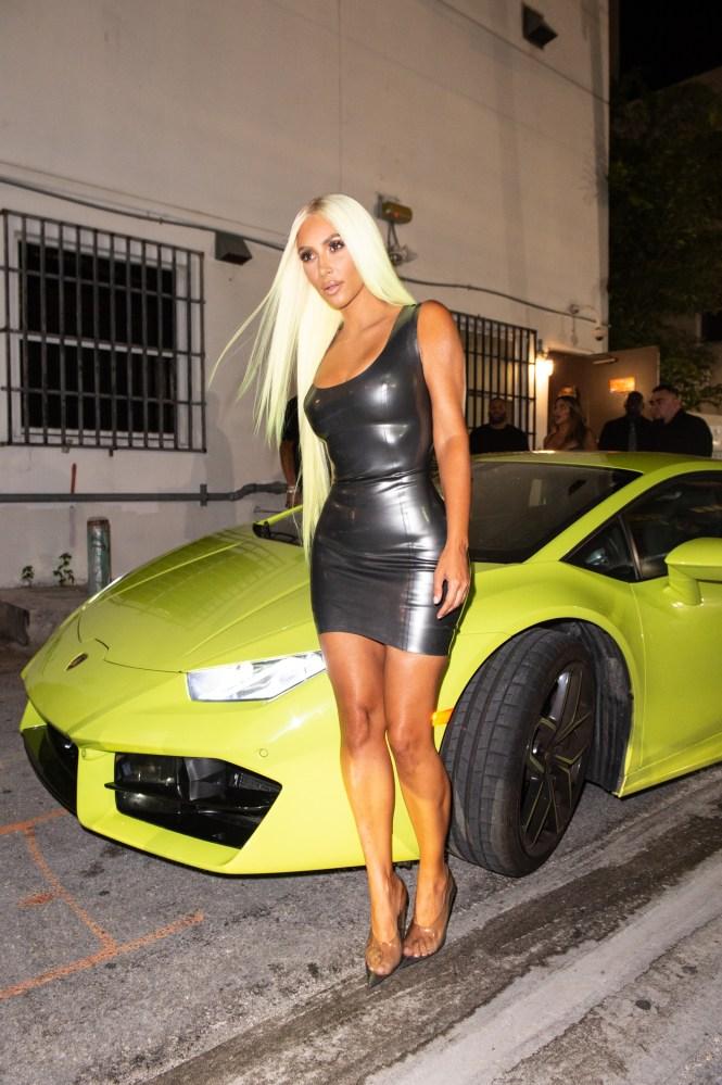 Kanye West Gifts Kim Kardashian A Neon Yellow Mercedes G Wagen Wonderwall Com
