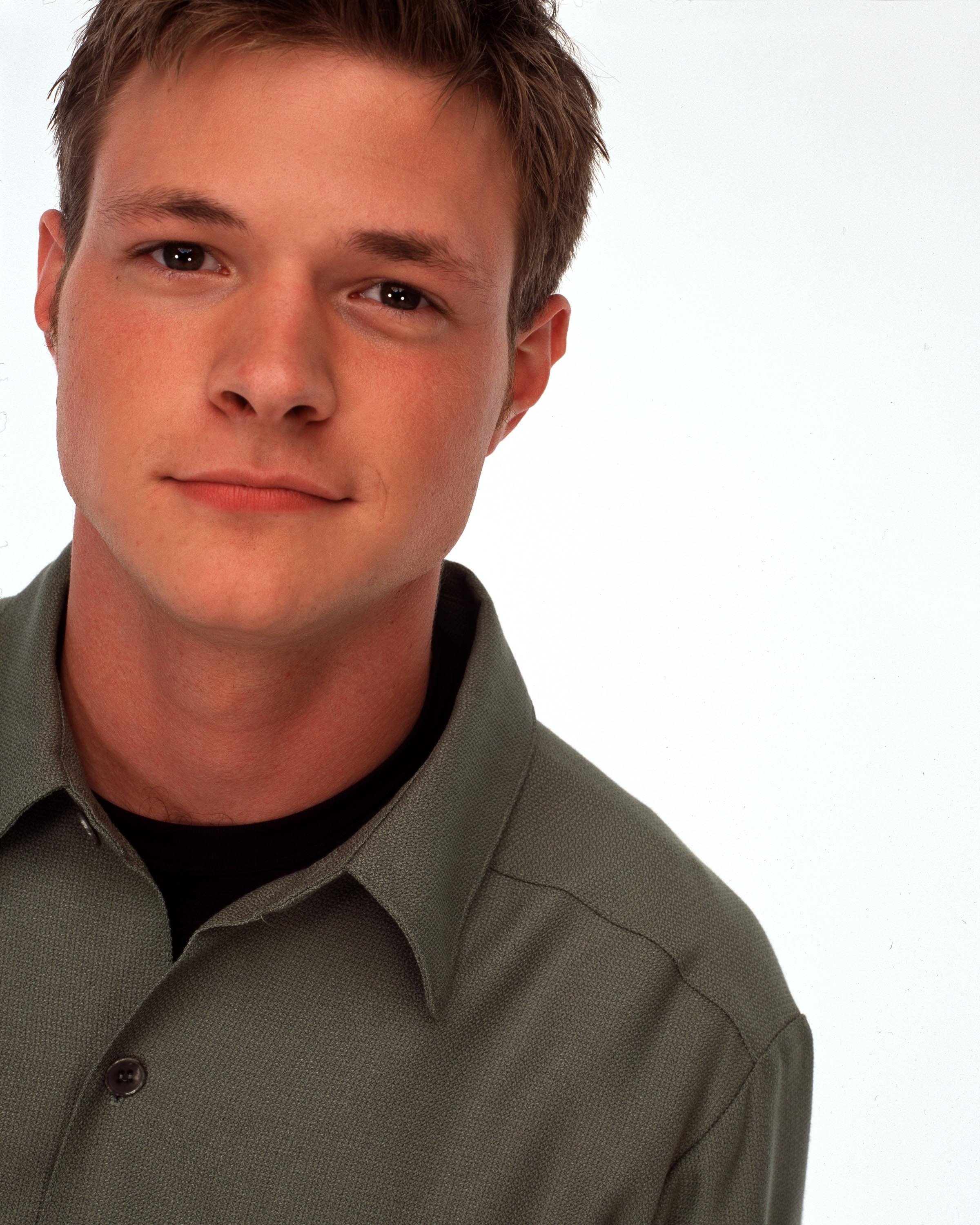 Former Sabrina The Teenage Witch Star Works As Janitor Wonderwall Com Nate richert was born in minnesota and spent most of his childhood there with his siblings and also samantha burton bio, age, now, career, net worth, boyfriend, ig >>. former sabrina the teenage witch star