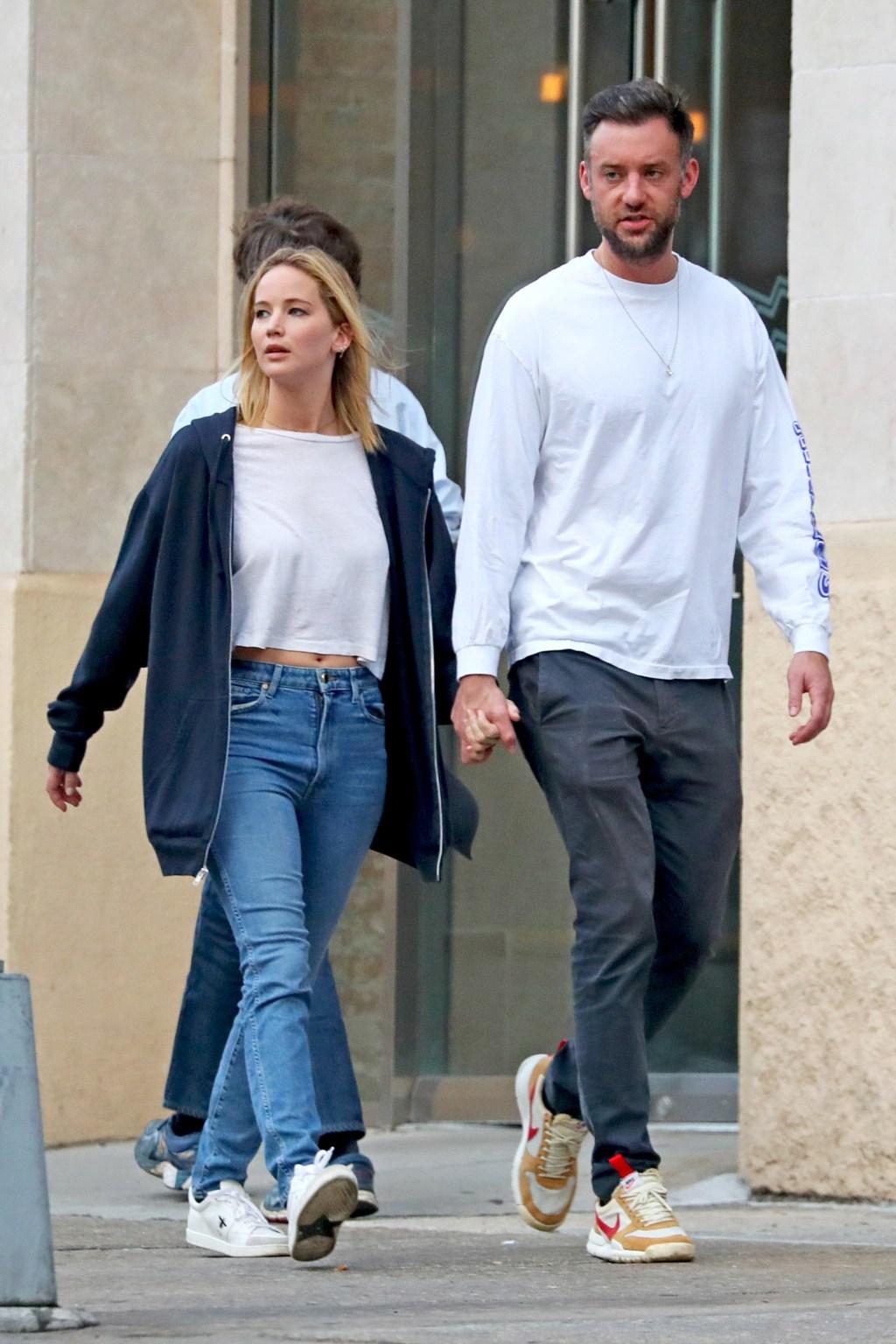 Jennifer Lawrence, fiance Cooke Maroney