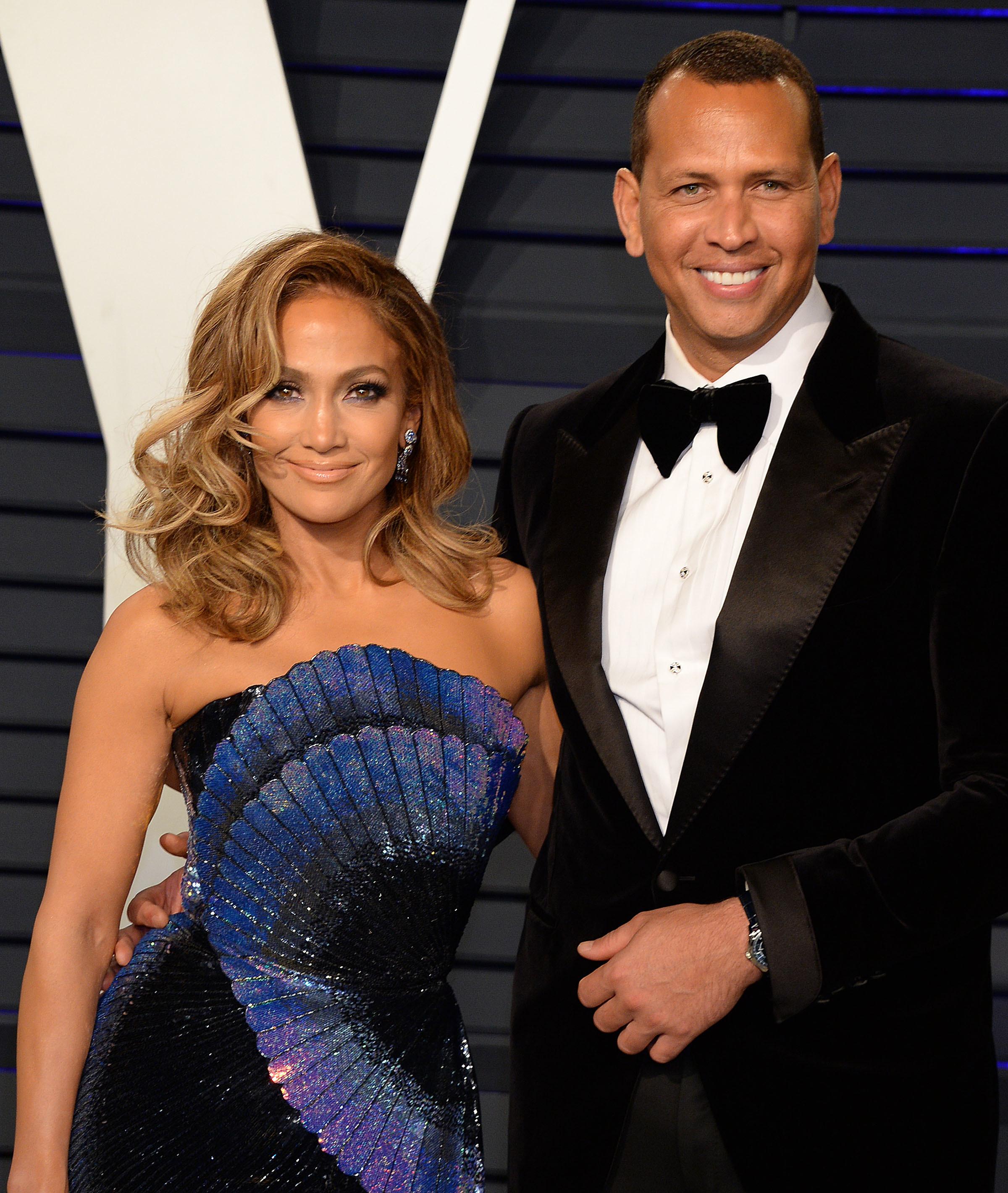 Jennifer Lopez Alex Rodriguez Mets Deal Buzz Grows Louder More News Gallery Wonderwall Com