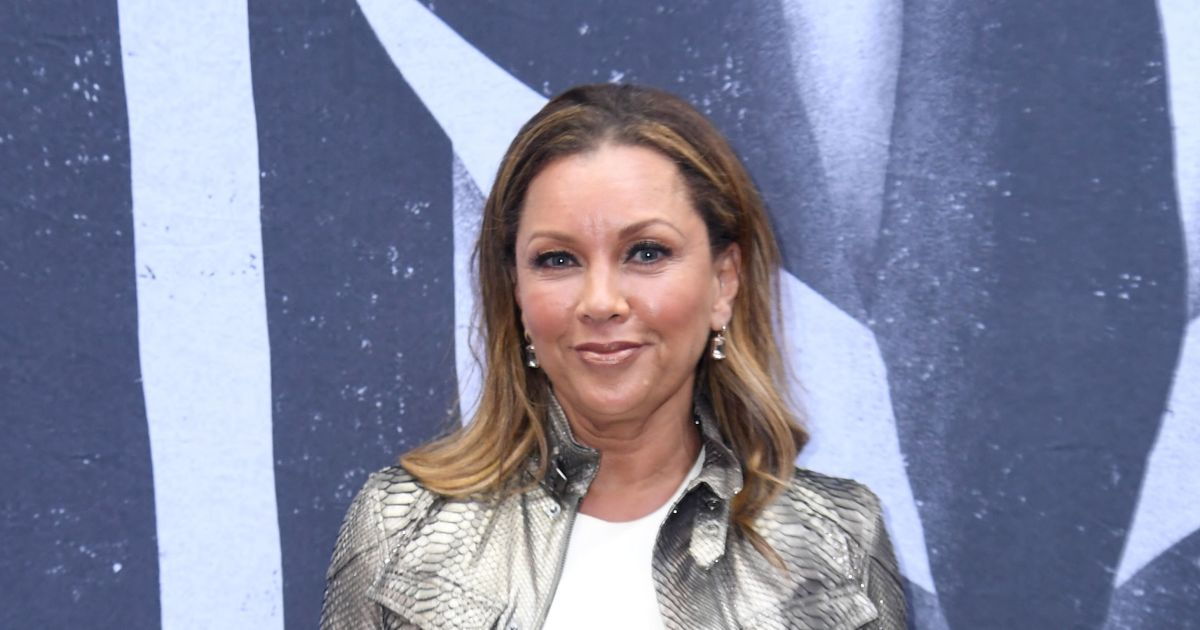 Vanessa Williams, 58, is the envy of the Internet with stunning bikini pic.jpg