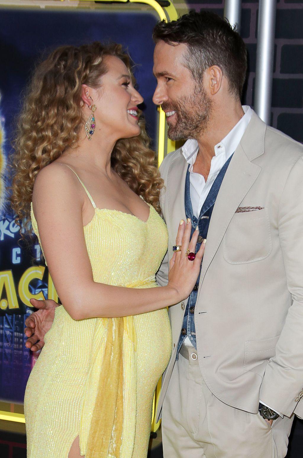Blake Lively, Ryan Reynolds pregnant baby bump