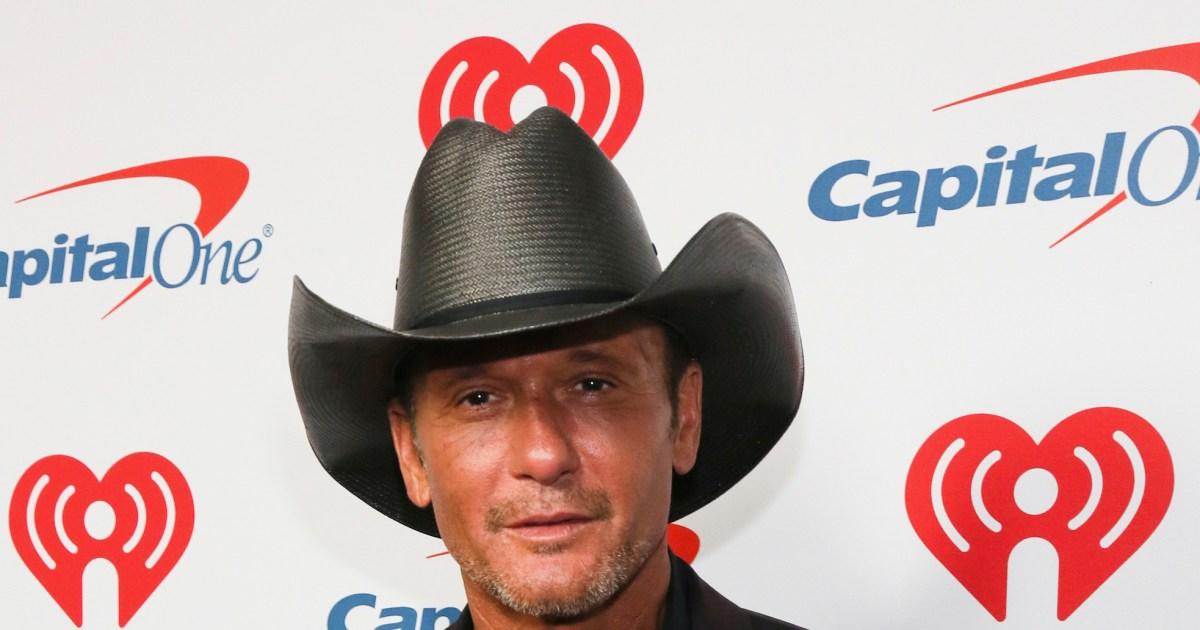 Tim McGraw forgets lyrics, jumps off stage to confront heckler at concert.jpg