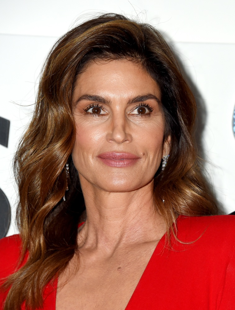 How Cindy Crawford responded to ageist Instagram troll