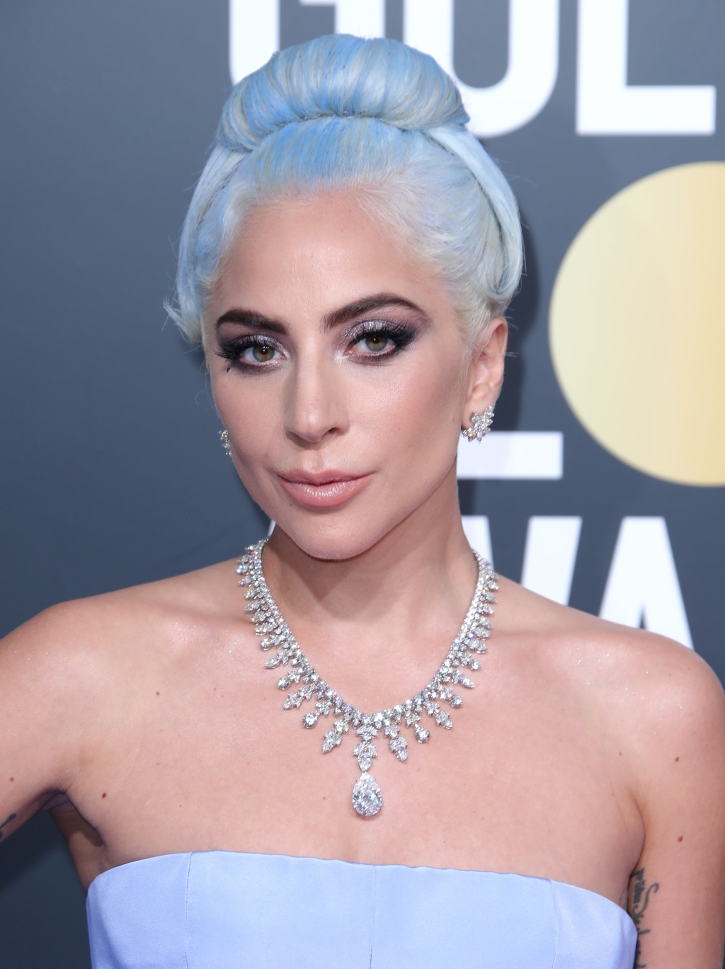 Lady Gaga, 2019 Golden Globes, jewelry