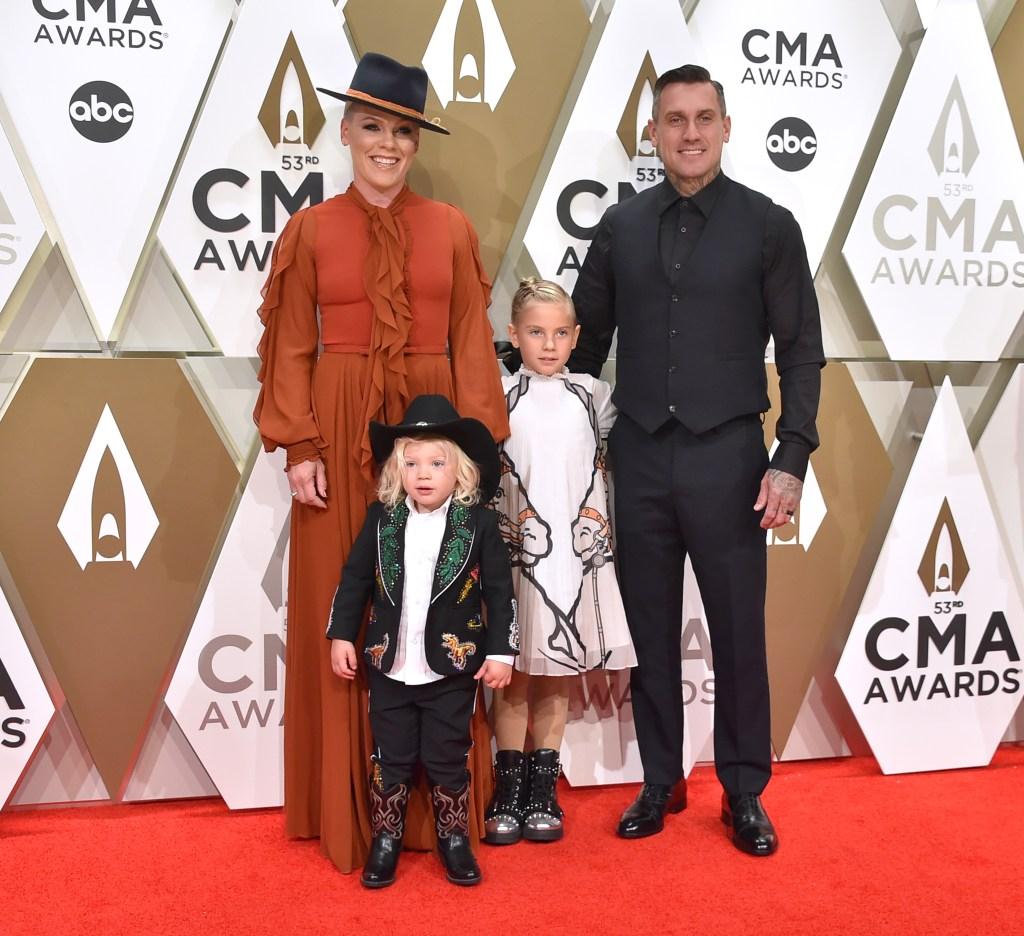 Pink, Carey Hart, Willow Hart, Jameson Hart, 2019 CMA Awards