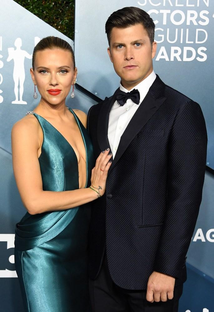 The One Rift In Scarlett Johansson And Colin Jost S Relationship Wonderwall Com