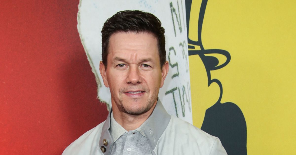 Mark Wahlberg wants 'to eat everything in sight' as he packs on 30 pounds.jpg