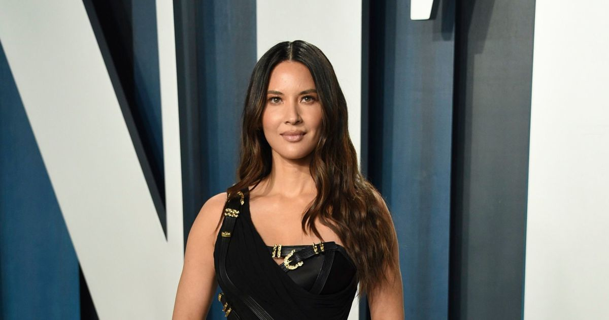 Did Olivia Munn break up comedian's marriage? Plus more celeb love news.jpg