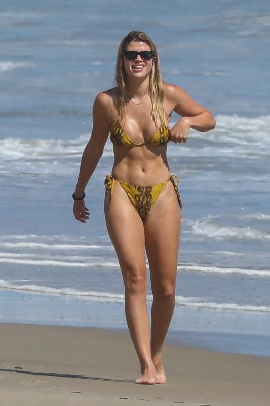 Hollywood stars in bikinis Celebs At The Beach In Bikinis In 2020 Gallery Wonderwall Com