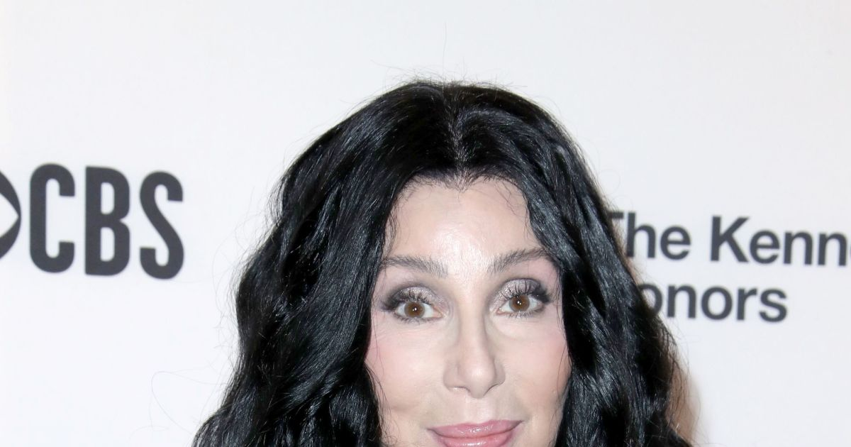 Cher responds to Britney's Instagram about a dream vacation with her.jpg