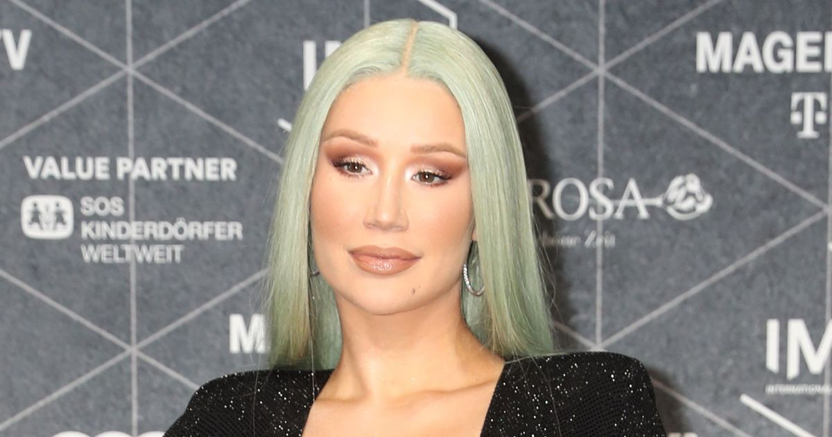 Iggy Azalea vows to stop sharing images of her son after clothing criticism.jpg