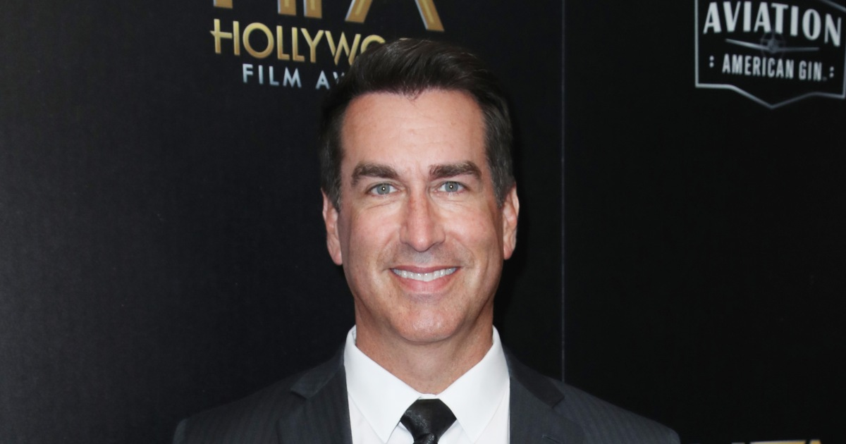 Rob Riggle claims ex planted camera to secretly record him amid divorce.jpg