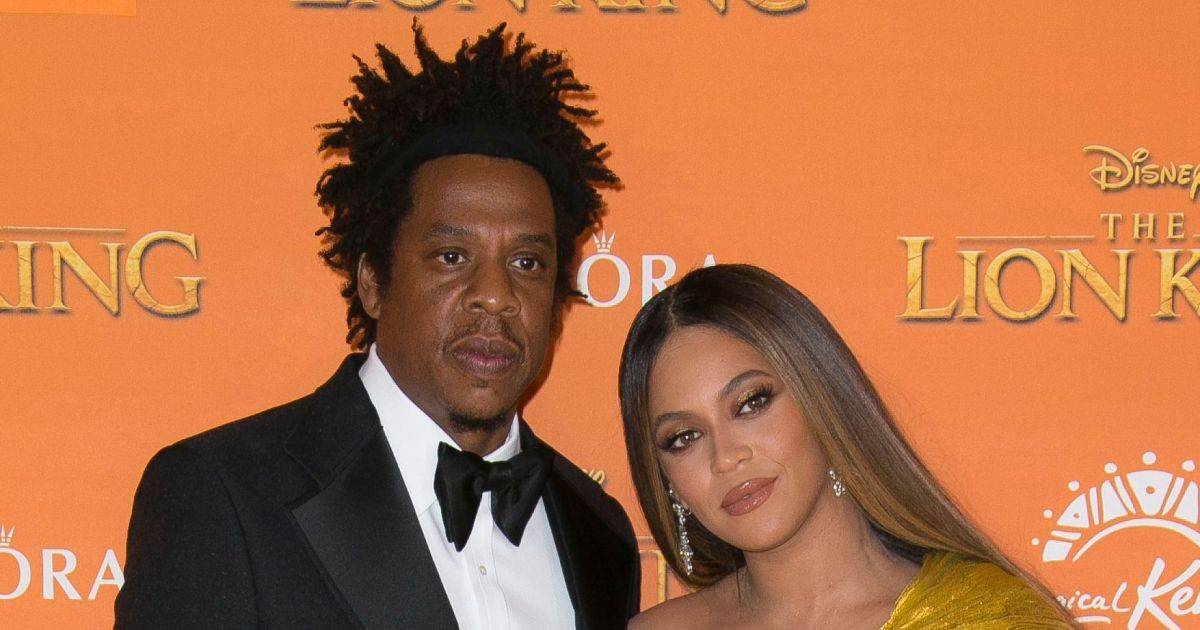 Beyonce and JAY-Z drop $3.5 million a week on a superyacht, more proof stars are nothing like us.jpg