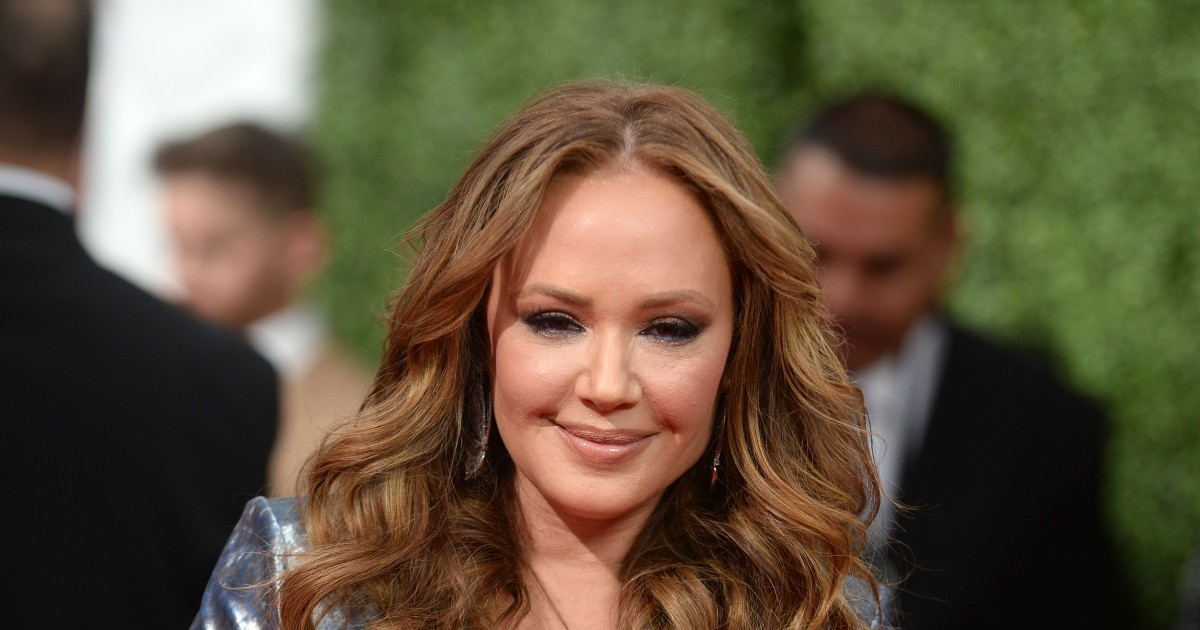 Leah Remini doesn't respect Laura Prepon's silence on Scientology.jpg