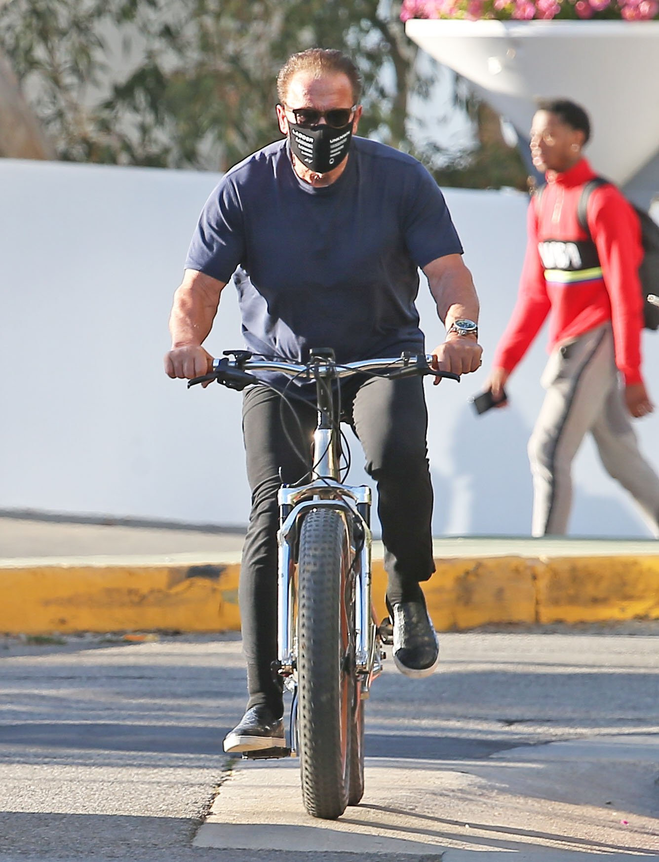 Arnold Schwarzenegger bike ride