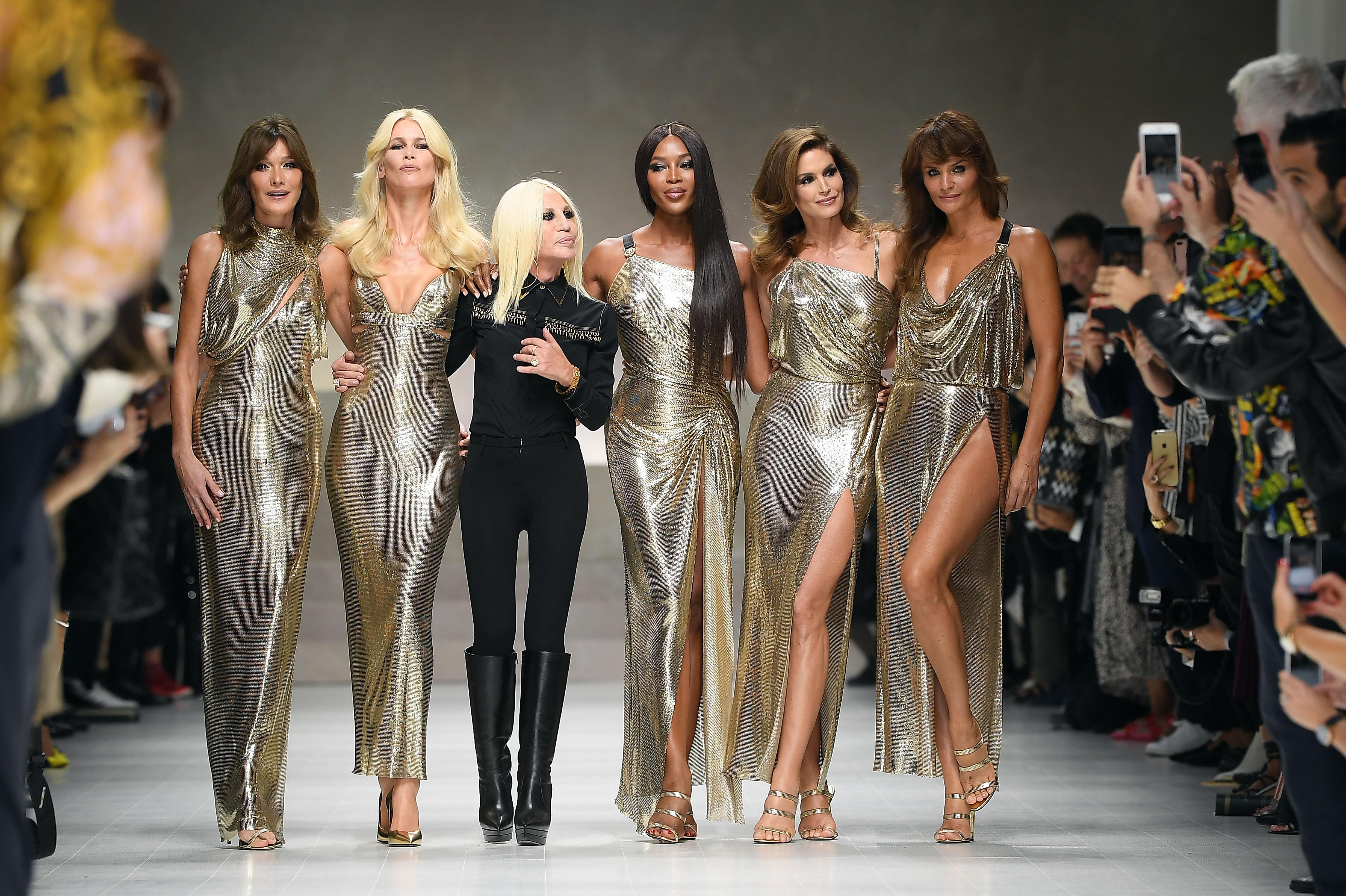 Carla Bruni, Claudia Schiffer, Donatella Versace, Naomi Campbell, Cindy Crawford, Helena Christensen