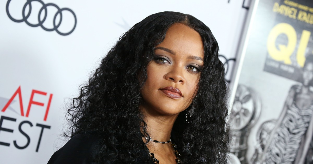 Rihanna buys $10M home next door to her $13M Beverly Hills mansion, more proof stars are nothing like us.jpg