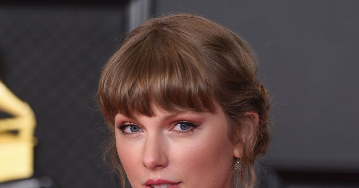 Taylor Swift addresses mystery of her reclusive cat.jpg