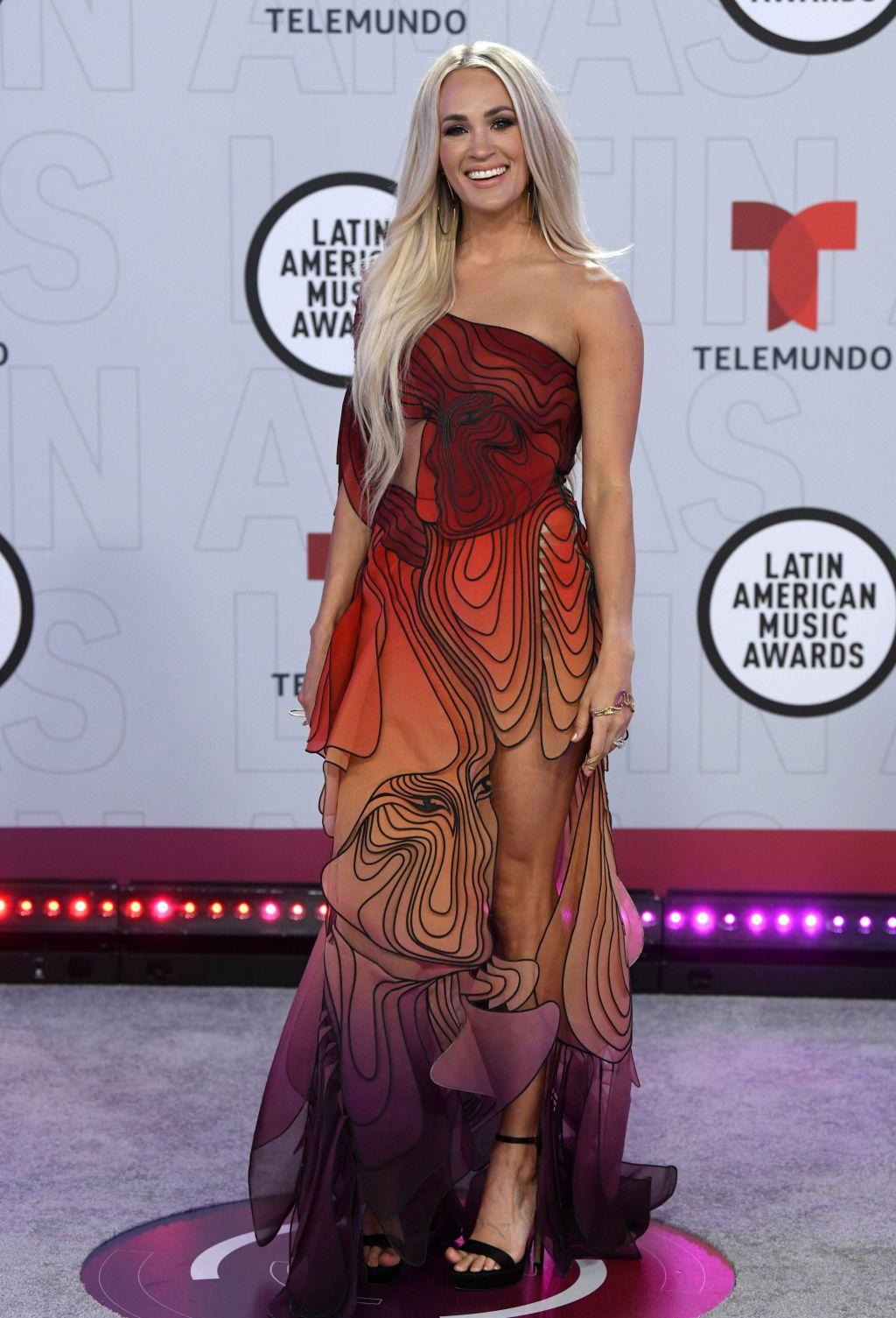 carrie underwood latin american music awards