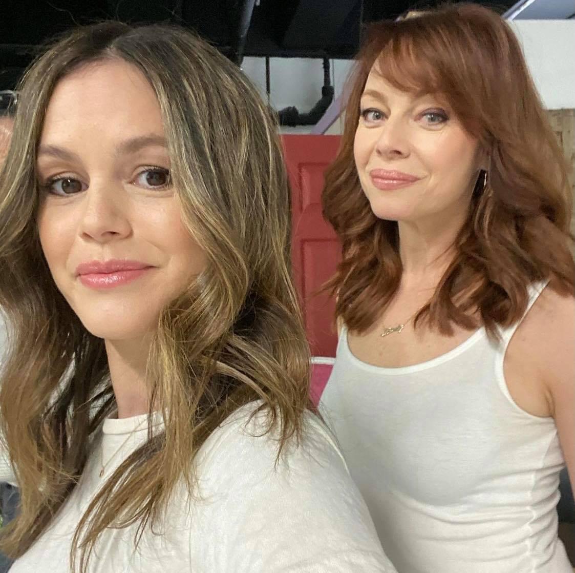 Rachel Bilson, Melinda Clarke