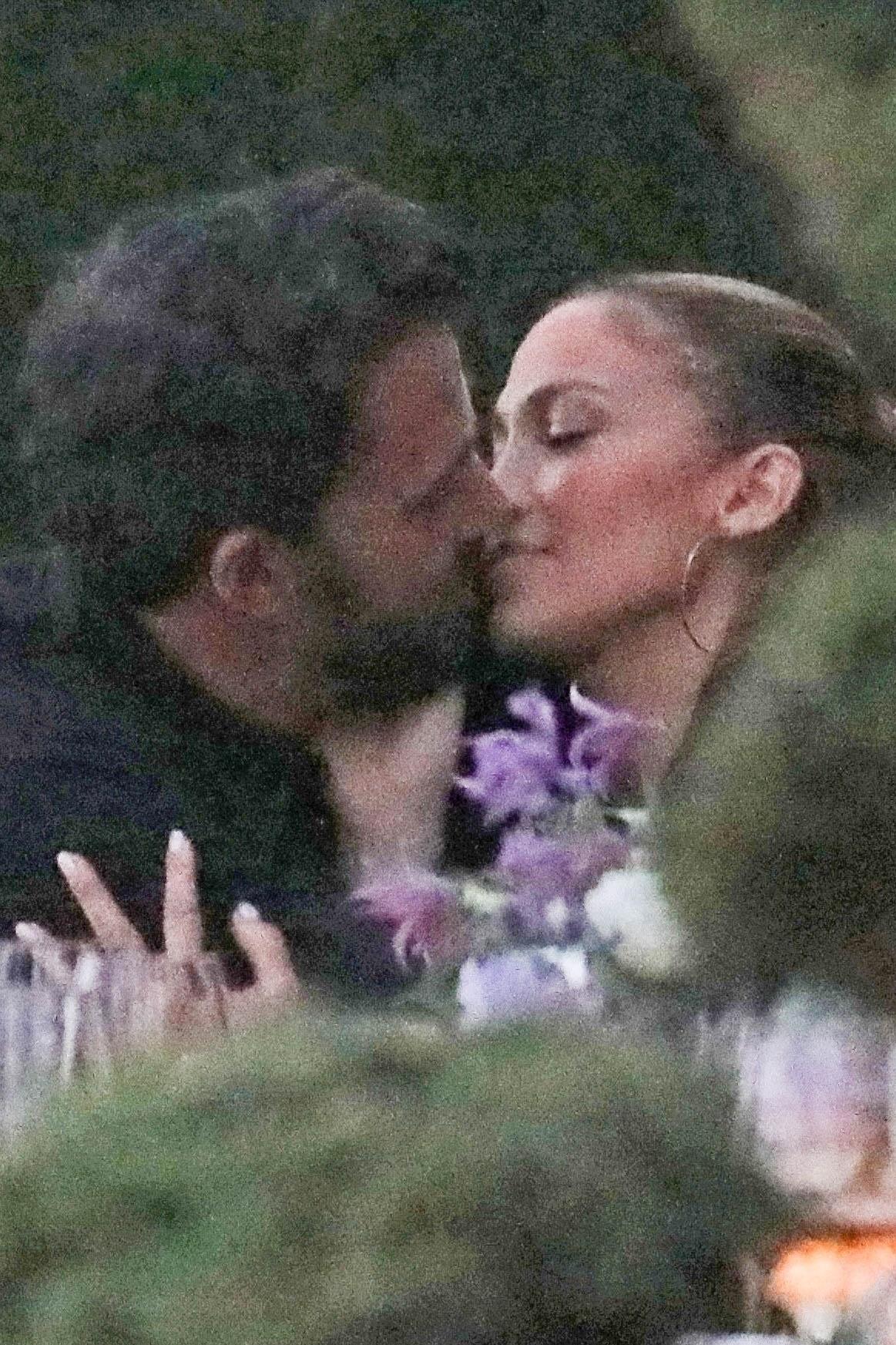 *PREMIUM-EXCLUSIVE* Ben Affleck Jennifer Lopez