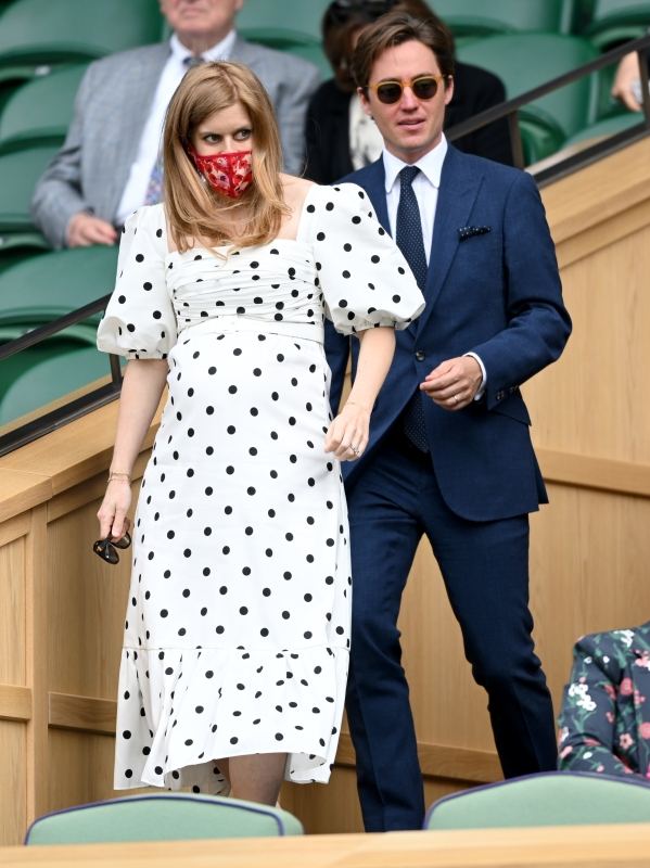 In heels cast pregnant Is Alexandra