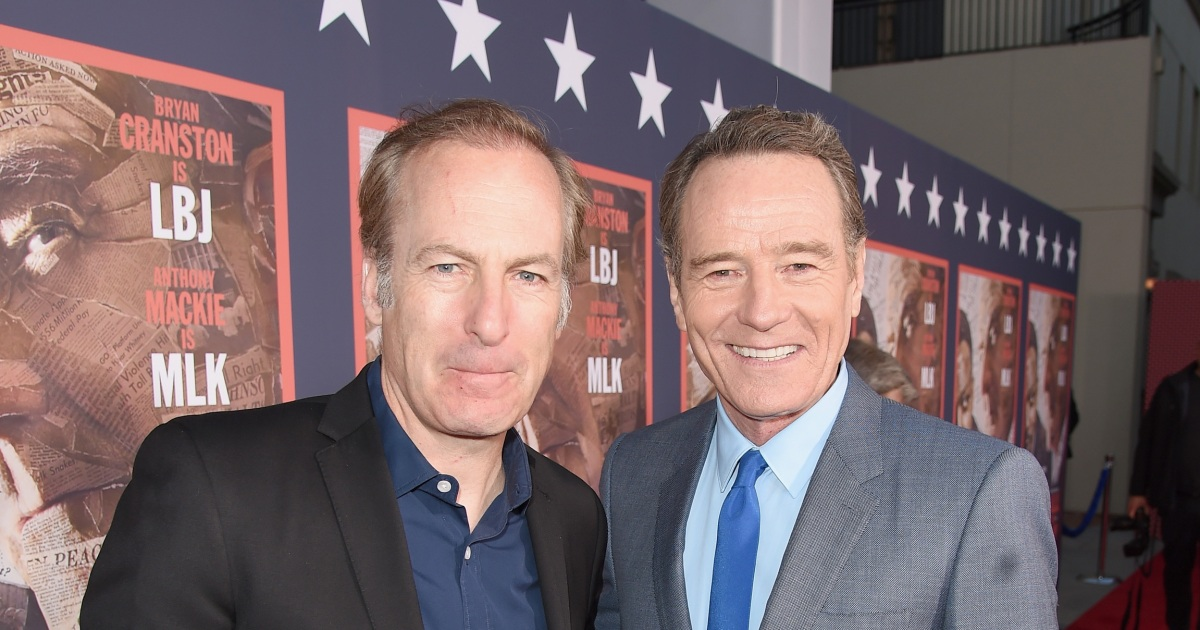 Bryan Cranston, Aaron Paul publicly support Bob Odenkirk after collapse.jpg
